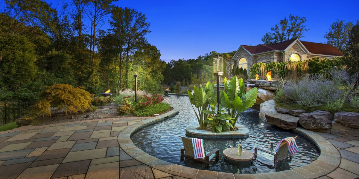 beautiful-custom-outdoor-living-space