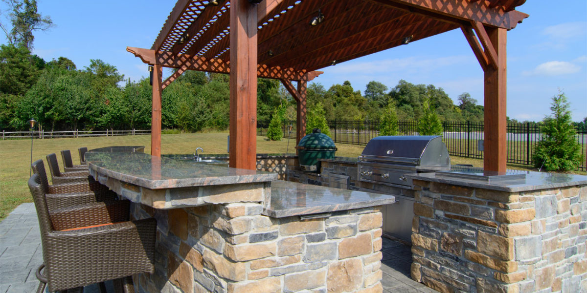 custom-outdoor-kitchen