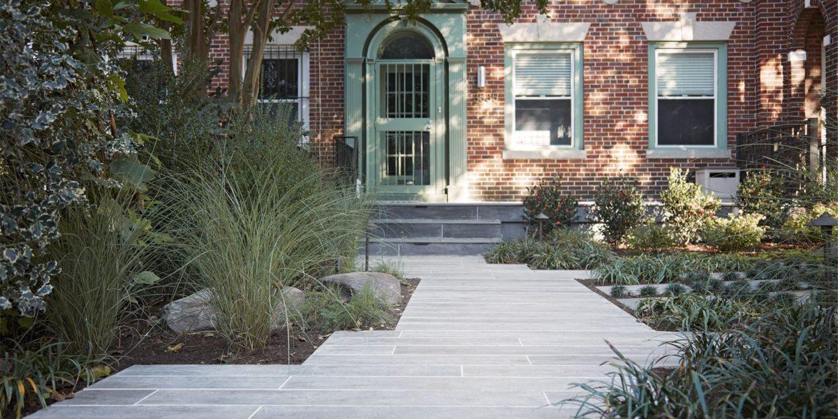landscaped-front-entrance