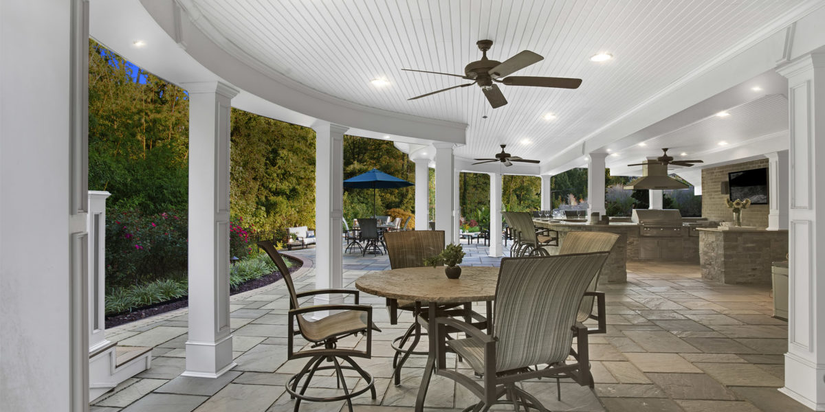 chairs-and-ceiling-fan