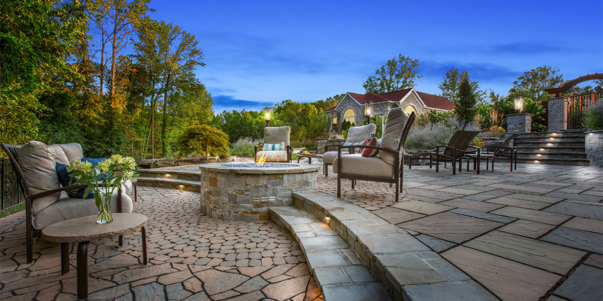 luxury-outdoor-living-space