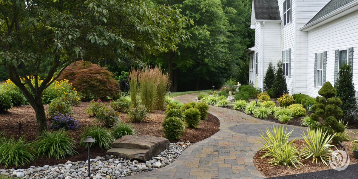 low-maintenance-landscaping-ideas-gardens-hardscaping