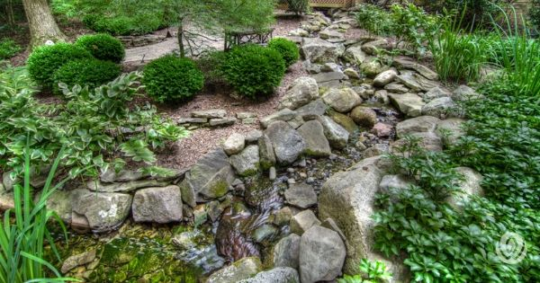 landscaping-on-a-slope-rock-garden