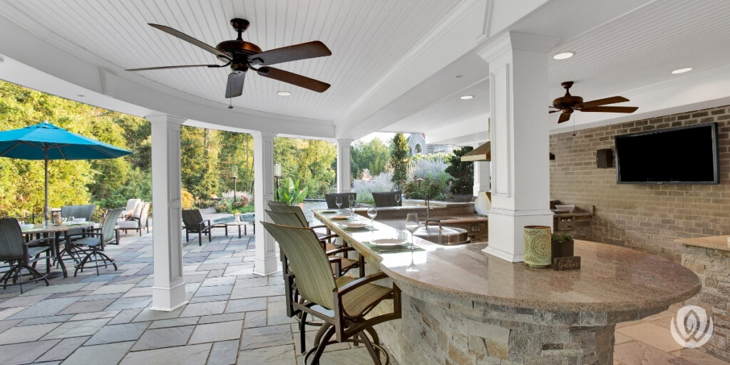 raised-deck-with-patio