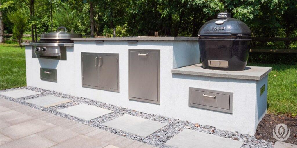outdoor-kitchen-flagstone